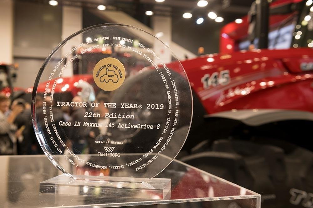 maxxum-trakctor-of-the-year-1a