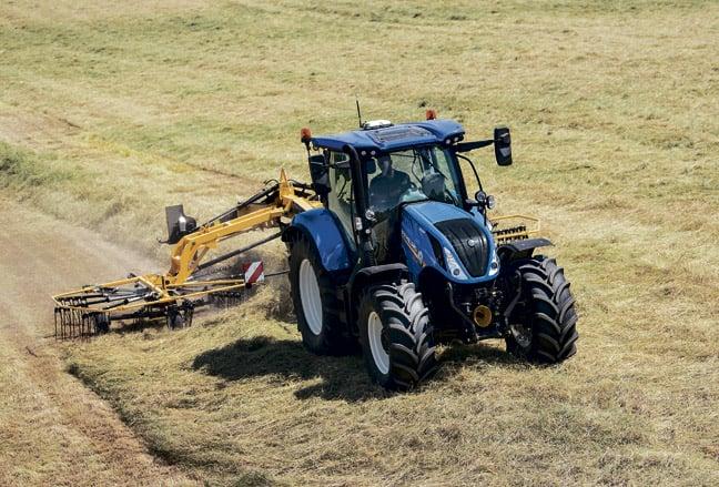 new-holland-traktori-T6180-648-3
